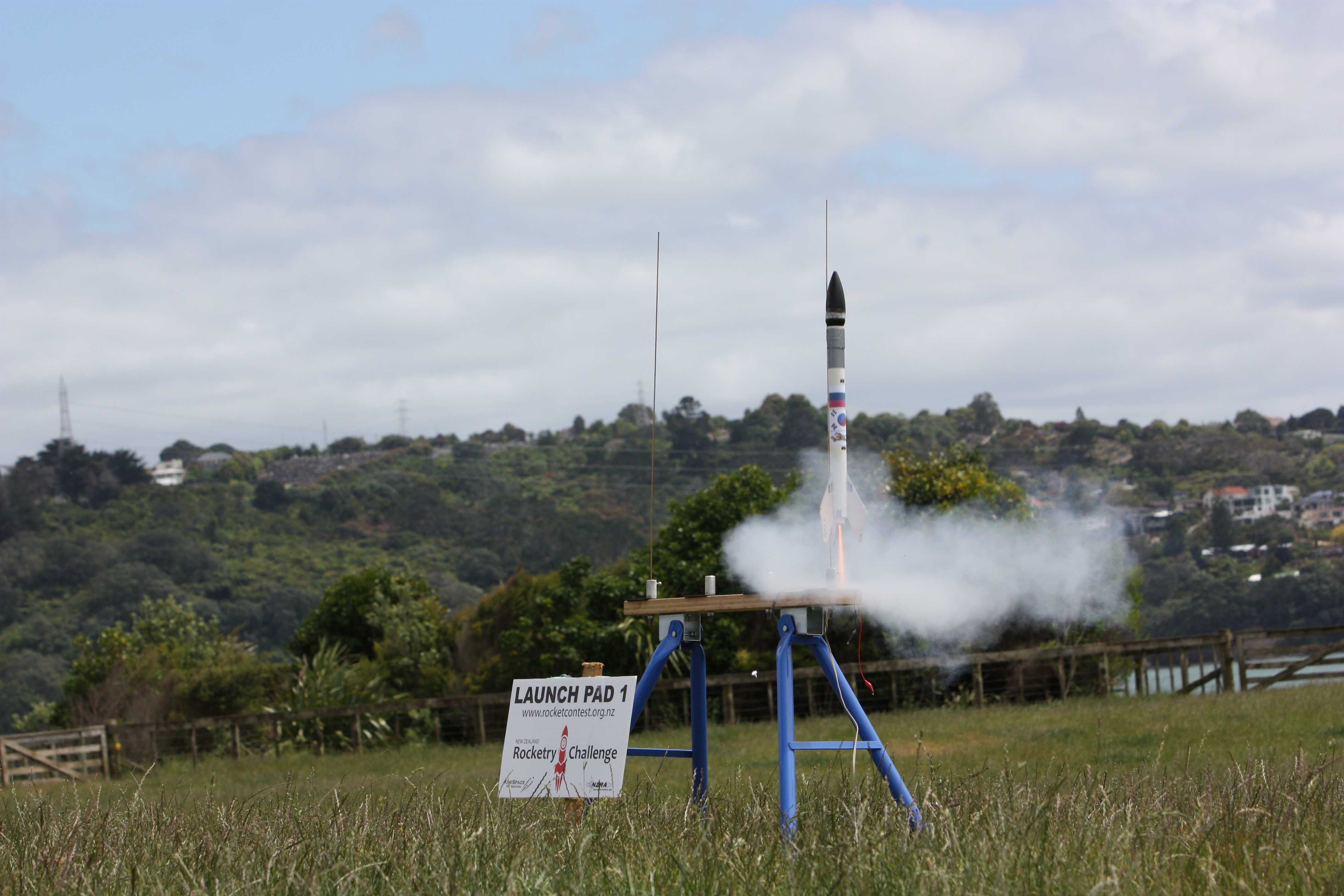 Eggs did fly, at the NZ Rocketry Challenge (27-Nov-2012